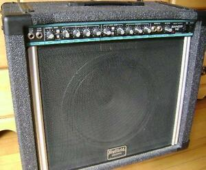 PEAVEY BANDIT 65 WATT COMBO GUITAR AMP with REVERB & EFFECTSLOOP