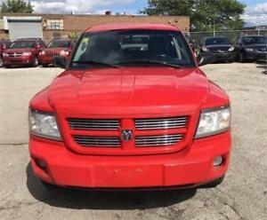 2010 Dodge Dakota SXT 4 doors Excellent condition