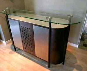 Stand up Reception Desk!