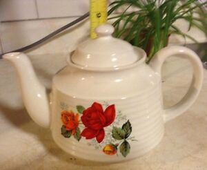 "VTG ""RED ROSE"" TEA POT, NORTHLAND STONE WARE POTTERY"