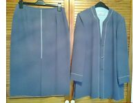 Jacques Vert 2-piece skirt and jacket size 14 in polyester.