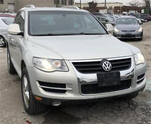 2009 Volkswagen Touareg 2 VR6, MEAN AND POWERFUL!