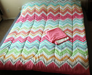 Marrielle twin comforter and bed skirt