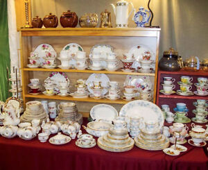 I BUY ESTATE SALES HOUSEHOLD ITEMS LIKE PYREX CHINA GLASS PORCEL