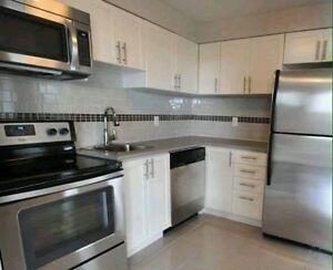 1 room available immediately till aug in a clean renovated apt