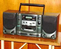 MINI CHAINE PORTABLE KOSS avec RADIO et LECTEUR de CD