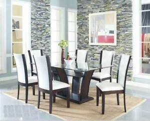 GLASS DINING TABLE WITH 6 BONDED LEATHER CHAIRS