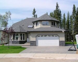 Beautiful home in Woodbuffalo - GREENBELT CUL-De-SAC