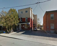 PRIVATE PARKING AVAILABLE CLOSE TO OTTAWAU - SANDY HILL