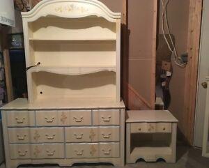 SOLID WOOD/ 5 piece dresser set