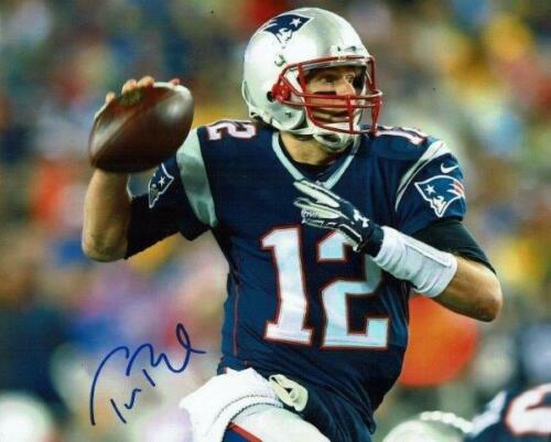 Reprint - Tom Brady New England Patriots Signed Autographed 8 X 10 Photo Rp