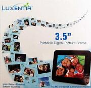 Portable Digital Photo Frame