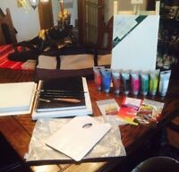 Chevalet, sac, peintures, toiles, cahiers, pinceaux neuf 250$