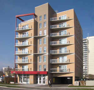 1 year Lease Sept 2017- August 2018 / 4 month Summer Lease $420 Kitchener / Waterloo Kitchener Area image 1