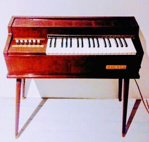c.1966 MAGUS Electric Chord ORGAN Keyboard PIANO Antique Vintage