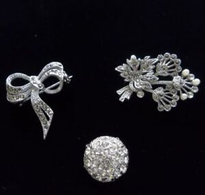 Collection of 5 Vintage Rhinestone Brooches/Clips‏