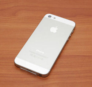 MINT CONDITION IPHONE 5 32GB SILVER