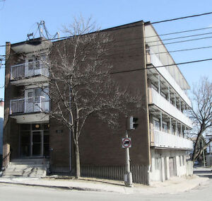 Fully furnished, $675/month, close to Vendome metro, WiFi includ