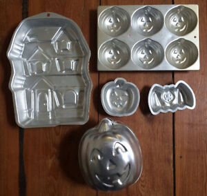HALLOWEEN cake pans 5 for $10