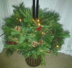 Indoor/Outdoor Holiday LED Lamp Post (with realistic greenery).