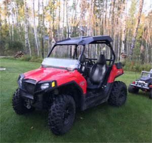 2014 Polaris RZR 800 with low kms. Must see