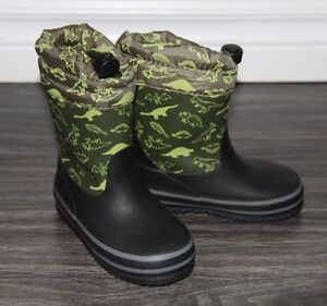 Boys Winterized Rubber Boots ( Toddler )  .. Size 6