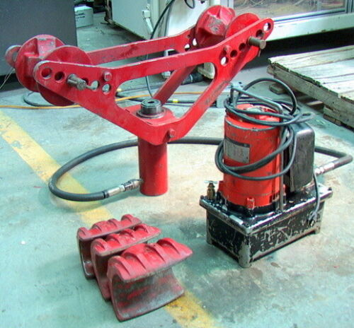 "Blackhawk Pipe Bender w/ 3"", 3 1/2"" and 4"" shoes, 8"" Ram w/ electric pump"
