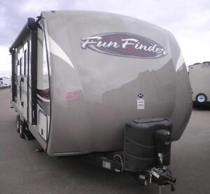 LAST ONE!!! FUN FINDER 242BDS  BUNK TRAVEL TRAILER HARD WALL