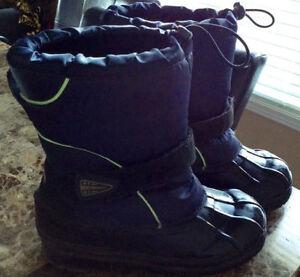 Joe Fresh Winter Boots - child / youth size 5