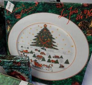 CHRISTMAS THEME SET OF DISHES