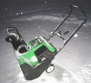 """Lawn Boy 6.5 hp 20"""" Gas Snowblower with electric start,greatwork"""