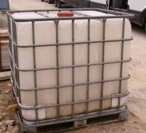 1000 Litre storage water tanks, garden water storage or cottage