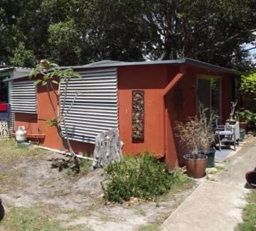 Permanant Onsite Caravan & Hard Annex on Beautiful Bribie Island