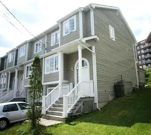 11-083 Sunny End Townhouse on Quiet Street in Bedford!