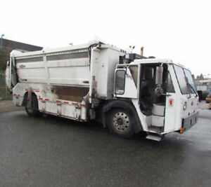 2009 Labrie Top Select Recycling Garbage Truck