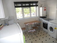 2/3 BEDROOM FLAT, FULLY FURNISHED, NEAR CHALK FARM AND KENTISH TOWN STATION, NW5.