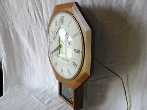 Vintage Schweppes Mixers United Electric Wall Clock Gatineau Ottawa / Gatineau Area image 3