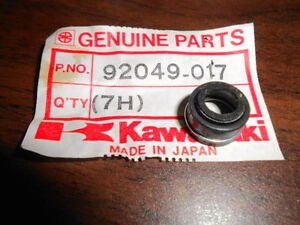 NOS-Kawasaki-OEM-Oil-Seal-Valve-76-83-KZ750-Twin-Belt-92049-017