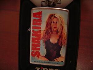 SHAKIRA SEXY PINUP ZIPPO LIGHTER MINT IN BOX PIN UP