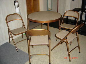 Deluxe Entertainment (Cards, etc.) Table & Chairs Set Gatineau Ottawa / Gatineau Area image 3
