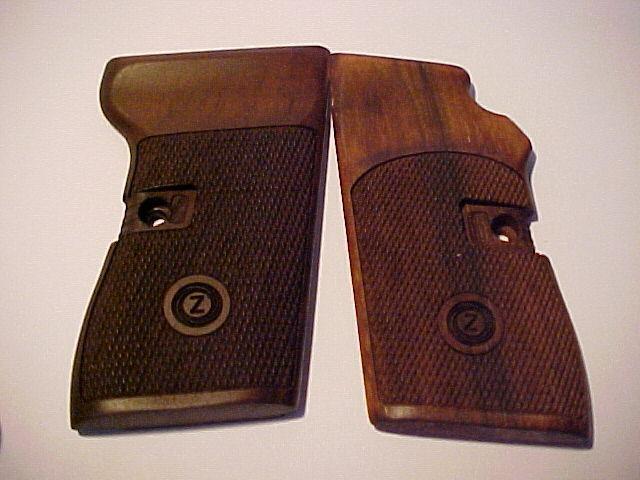 CZ 52 CZ52 Fine Checkered Walnut Pistol Grips w/Logo Beautiful Matte Oil Finish!