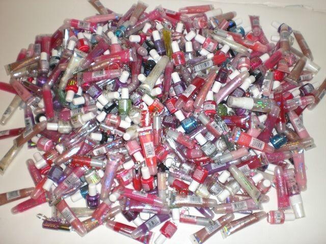 25 Pc Wholesale Bonbons Cosmetics Nail Polish,lip Gloss,nail File. Great Resell