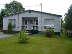 Maison à vendre, possibilité de revenus