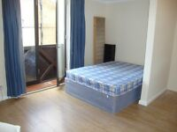 Amazing top floor studio flat around the corner from Barbican station and close to all amenities