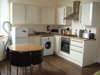 Ref: 771 - Beautifully presented 1 bedroom flat on quiet cul de sac of Balfour St, avail 05 April!