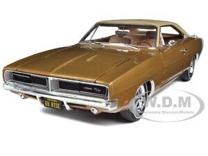 1969-DODGE-CHARGER-R-T-SE-440-BRONZE-METALLIC-4SPD-1-18-CAR-BY-AUTOWORLD-AMM978