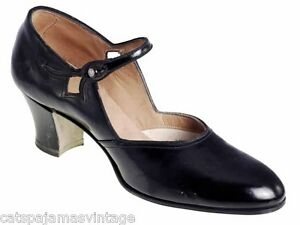 Vintage-Single-Mary-Jane-Shoe-for-Display-or-Design-Black-Patent-Leather-91920s