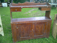 Buffet long antique en pin - deux tiroirs