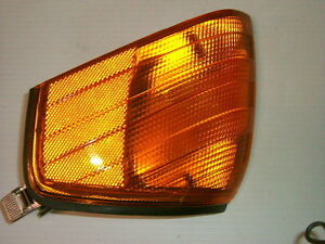 MERCEDES-BENZ TURN SIGNAL LIGHT, LUMIERE CLIGNOTANT #1305231912