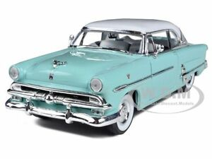 1953-FORD-VICTORIA-BLUE-1-24-DIECAST-MODEL-CAR-BY-WELLY-22093